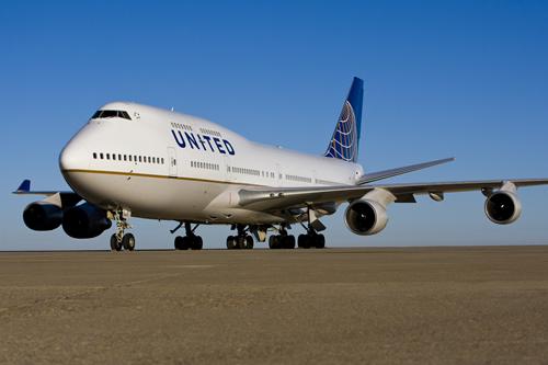 Satellite wifi on United 747