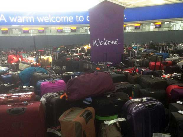 Check-in chaos at Heathrow Terminal 5 due to power failure