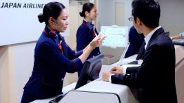 JAL AI-enhanced check-in