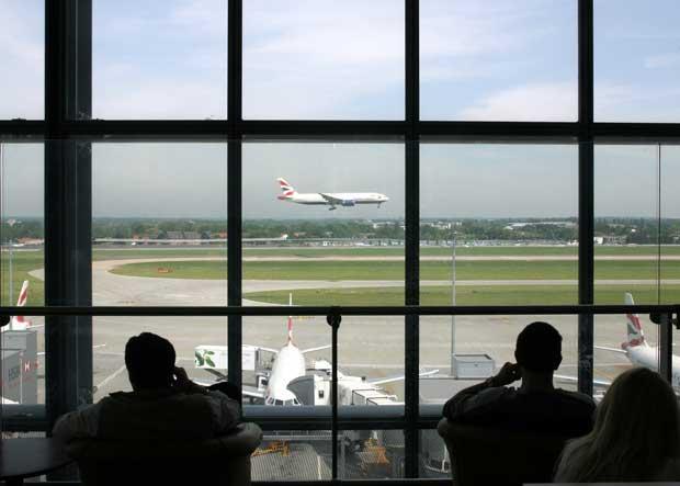 British Airways reduces hand luggage allowance