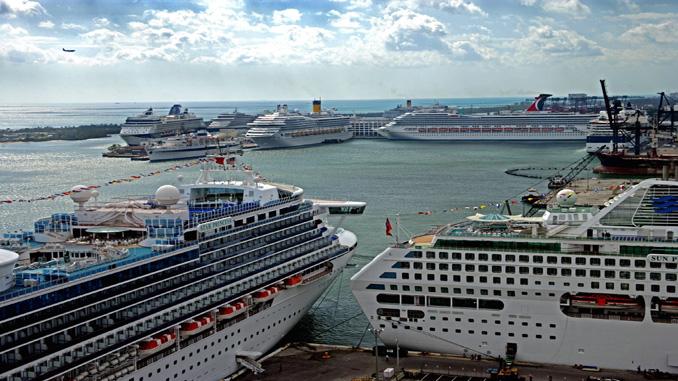 Port Everglades cruise terminal pilots BorderXpress APC kiosks