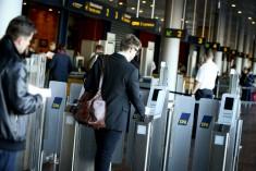 Boarding pass scanning egate