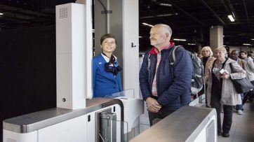KLM and Schiphol trial biometric boarding