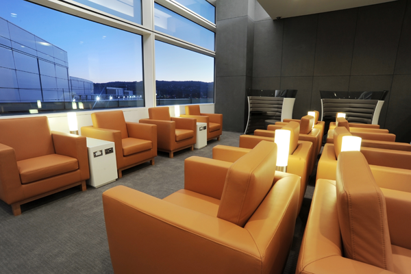 Cathay Pacific activates iBeacon technology at SFO