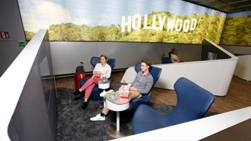 Frankfurt offers free movies for departing passengers