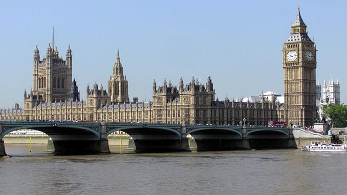 MPs report says Heathrow runway cannot happen