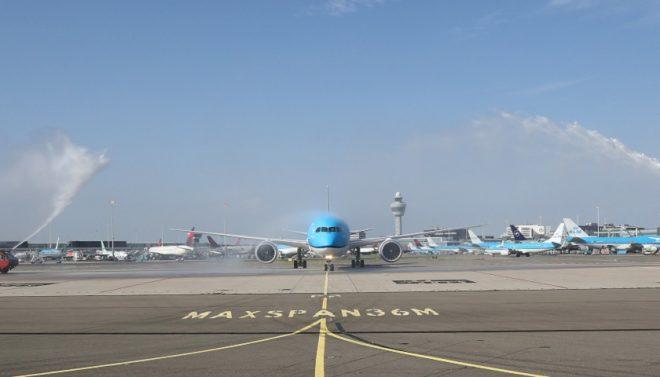 KLM Boeing 787-10 water salute