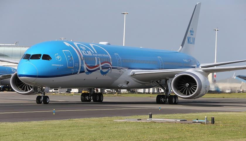 KLM first Boeing 787-10 Dreamliner