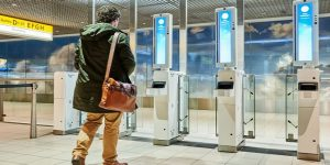 Schiphol trials biometric boarding